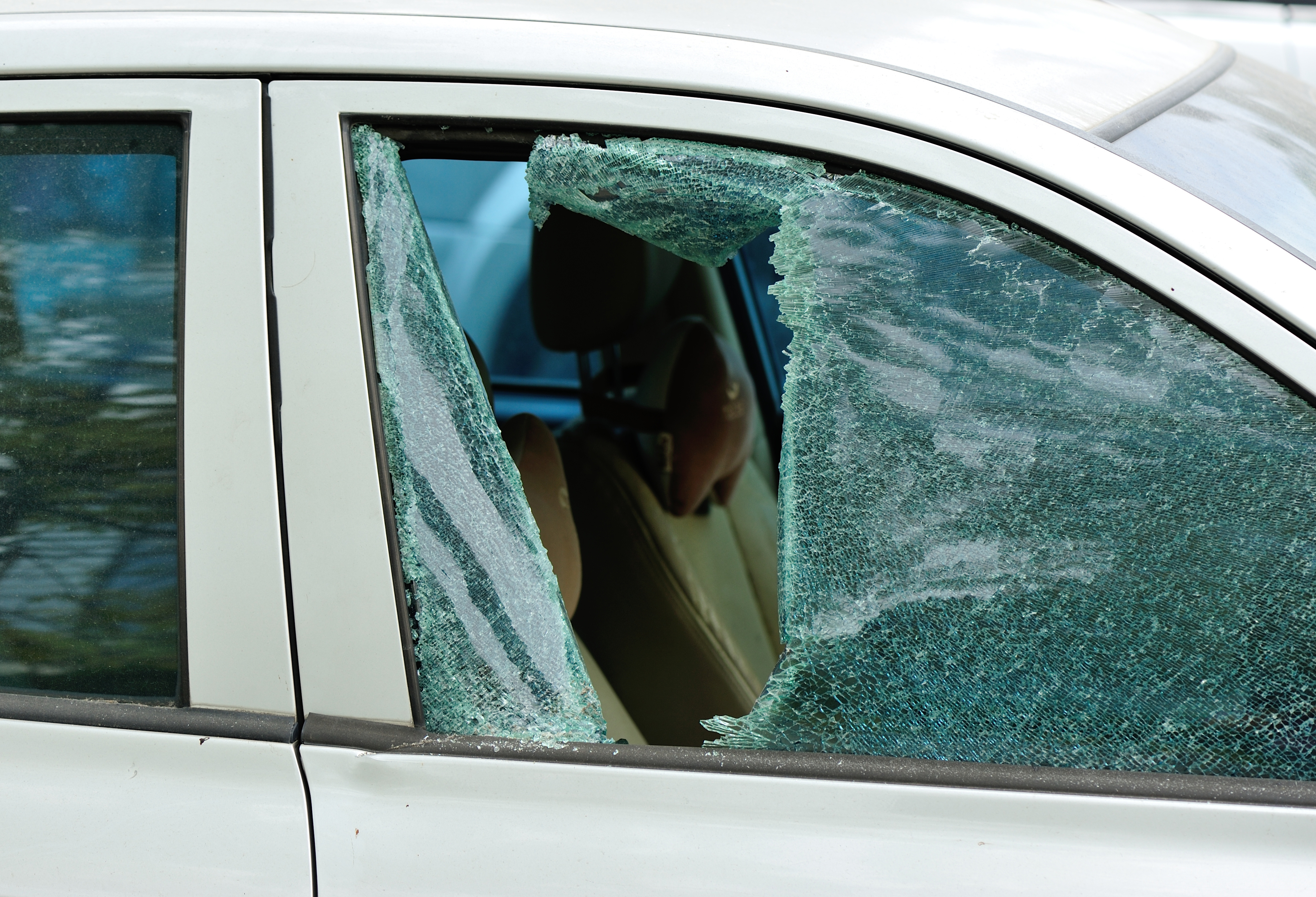 Auto Gl Replacement Is Not The Only Solution To A Damaged Windshield And Smaller Flaws Can Go
